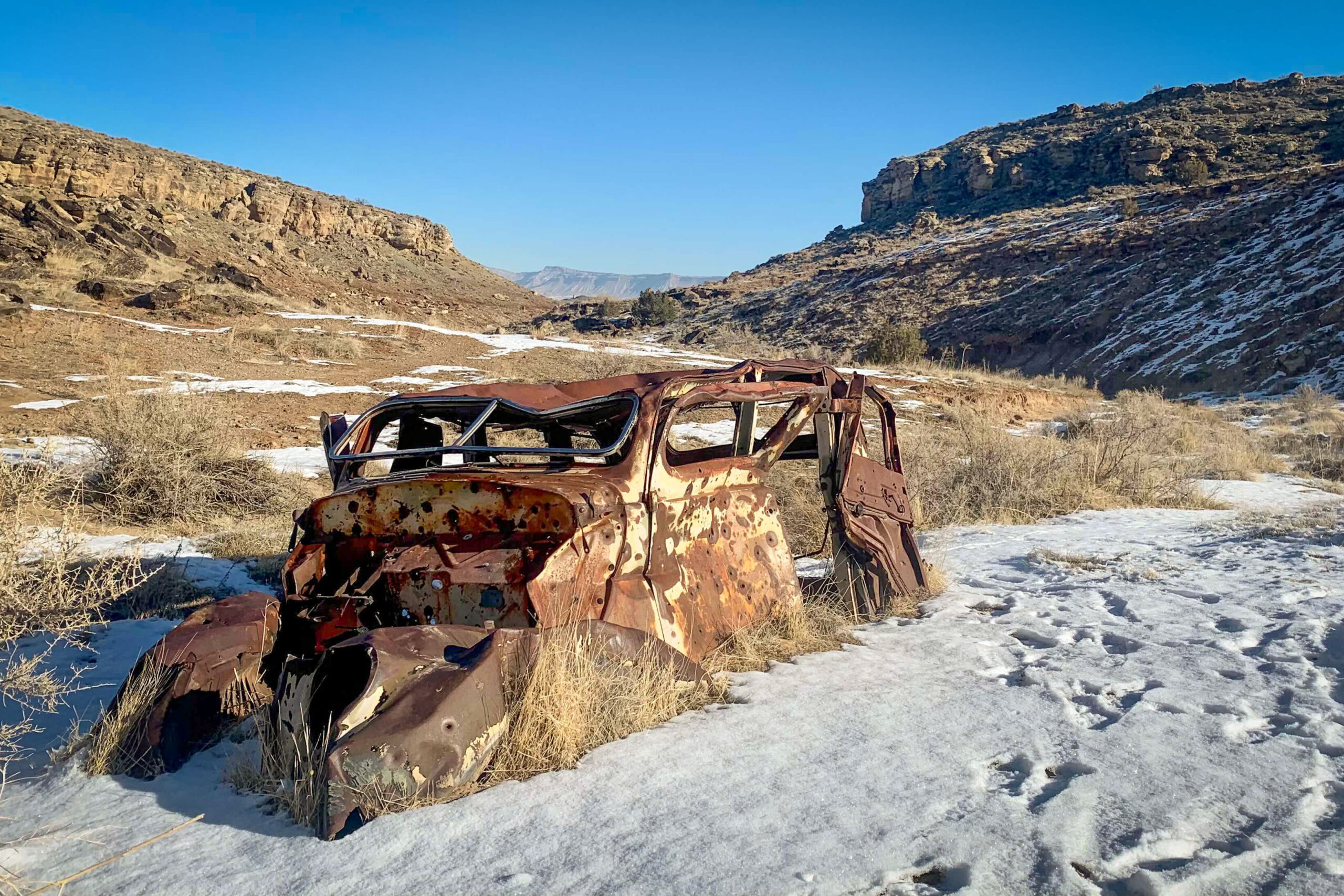 Clunker gets its name from this old, rusted car visible below the trail. While the route is a local favorite, it's also hidden away from large roads, giving it a hidden feel.